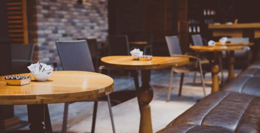 喫茶店スタッフ